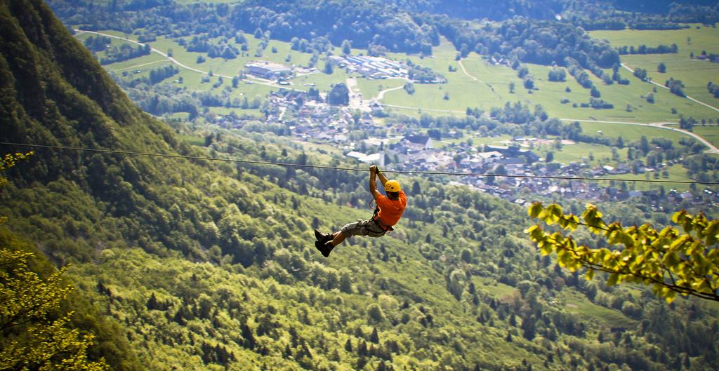 M ga sensations bovec avec une tyrolienne de 2 4 km slovenie secrete - Crepir avec une tyrolienne ...