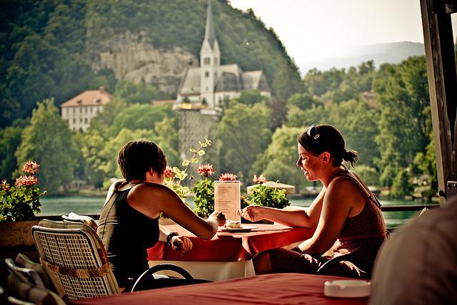 prendre un café à Bled
