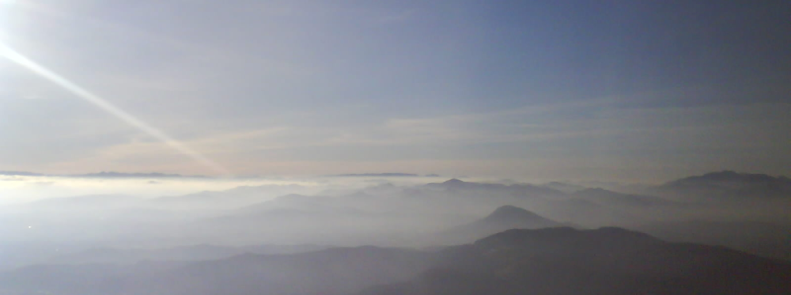 mer de nuages en slovénie