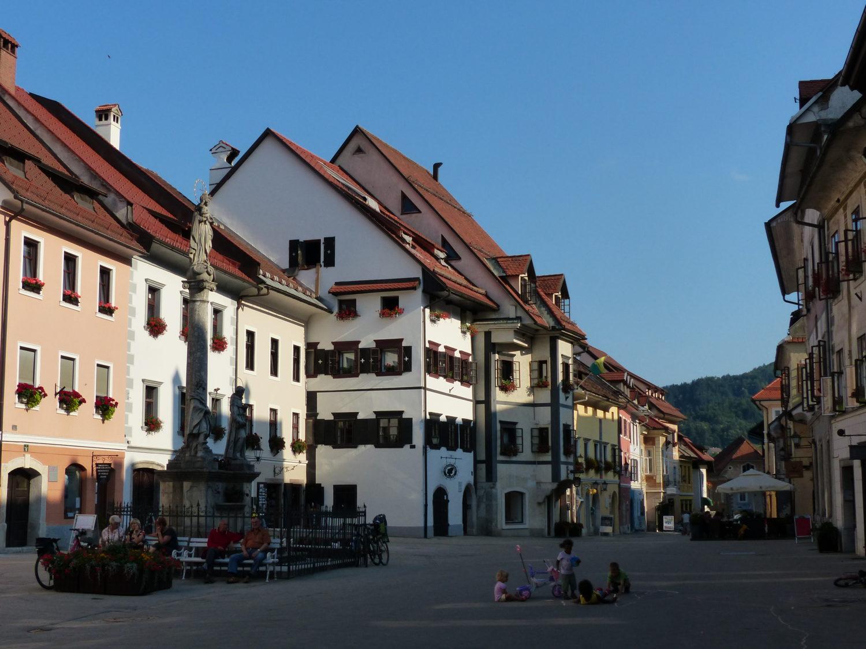http://slovenie-secrete.fr/wp-content/uploads/2013/11/photo_skofja_loka1.jpg