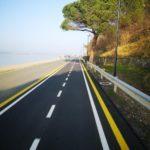 La belle piste cyclable qui permet de découvrir toute la côte slovène